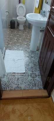 Elegantly furnished 3 bedroom Apartment in Riruta image 11