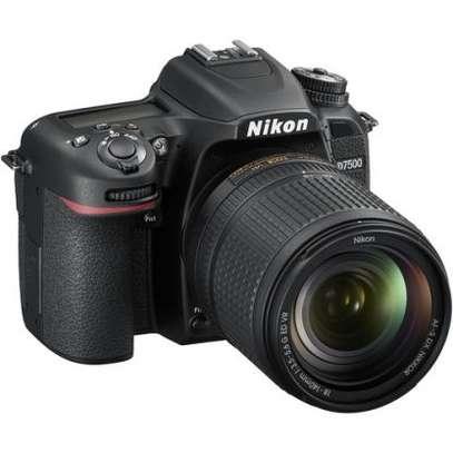 Nikon D7500 DSLR Camera with 18-140mm Lens image 2
