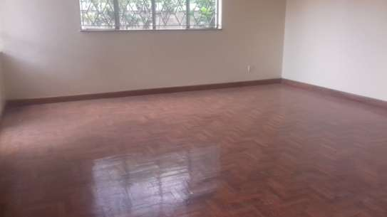 Selling a 3 Bedrooms Apartment with a pool in Kilimani