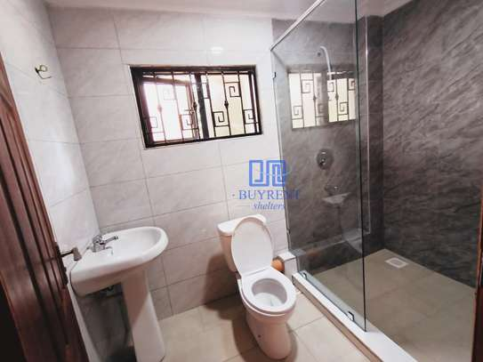 3 bedroom house for rent in Old Muthaiga image 12
