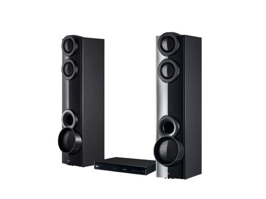 LG 1000W4.2CH HOME THEATRE SYSTEM