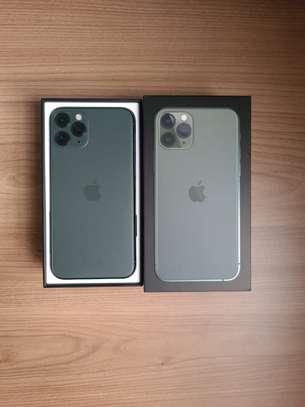 iPhone 11 Pro 64GB + Free Screen protector image 3