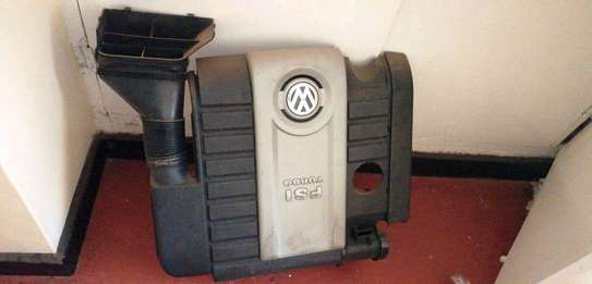 Original MK5 GTI Engine Cover and Airfilter image 1
