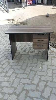 Office desks. image 1