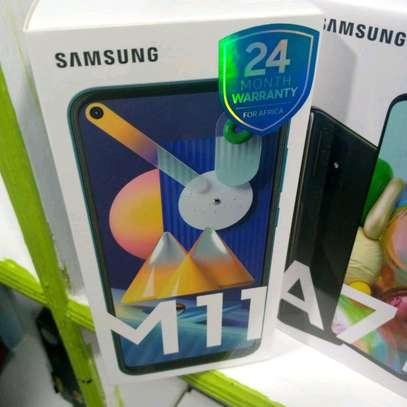 Samsung M11 new 32gb 3gb ram 5000mAh battery 13mp tripple camera image 2