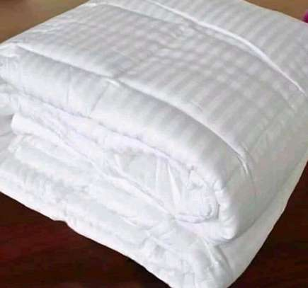 Hotel( material)White cotton stripped duvet image 1