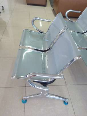 2 seater Link office chair image 1