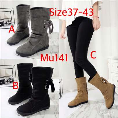 Ladies lowcut boots image 1