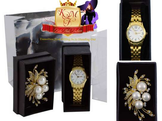 Ladies Watch and Brooch Set.
