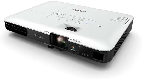 Epson  EB 1795F projector image 3