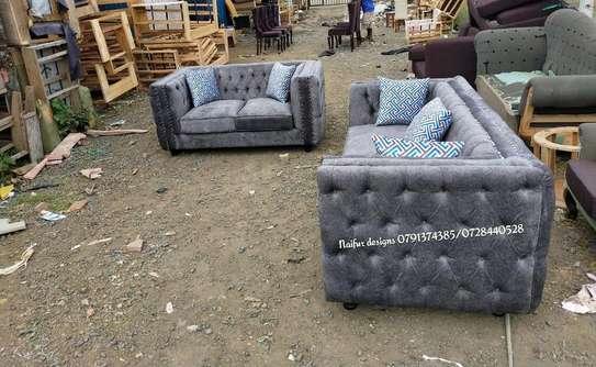 Tufted sofa/two seater sofa/modern sofasets/modern sofas/tufted sofas/sofasets image 2