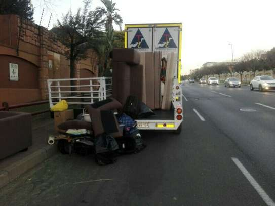 Rubbish, garbage and garden waste removals!Cleaning & Domestic Workers image 4