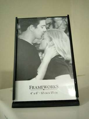 """1Pc Black 4"""" by 6"""" Metal Picture Frame"""
