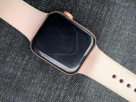 Apple Watch series 4 image 2