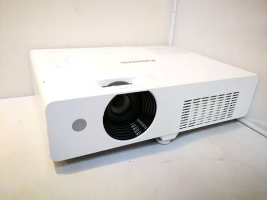 PANASONIC PROJECTOR PT-VX420 WITH 4500 LUMENS image 2