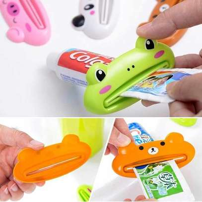 Toothpaste Squeeze image 3