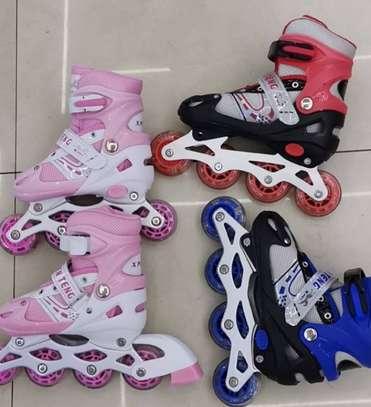 Skating shoes size 31-34,35-38,39-42 image 1