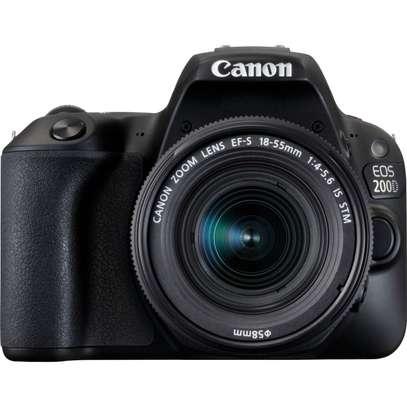 Canon EOS 200D image 3