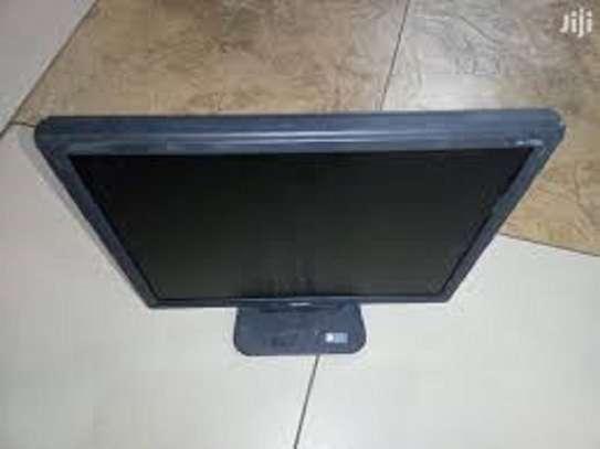 17 inch monitor image 1