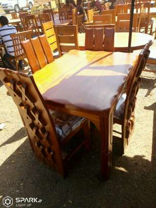 4seater solid table