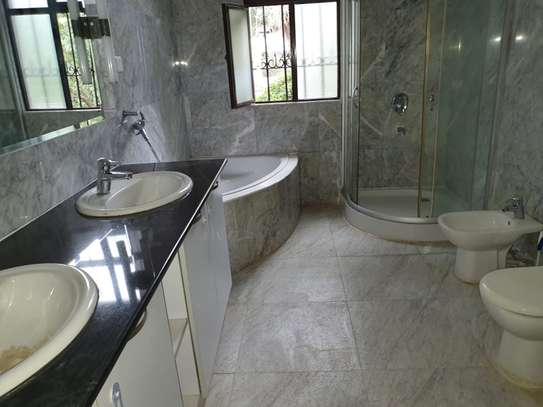 5 bedroom house in the suburb muthaiga image 14