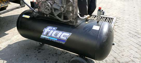 Air compressor -Germany made image 2