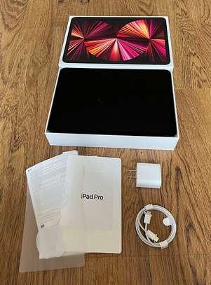 Apple IPad Pro 11 with M1 Chipset (2021)  128GB image 1