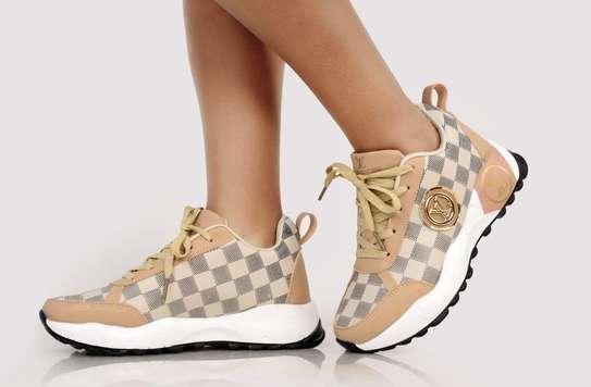 Ladies LV sneaker image 1
