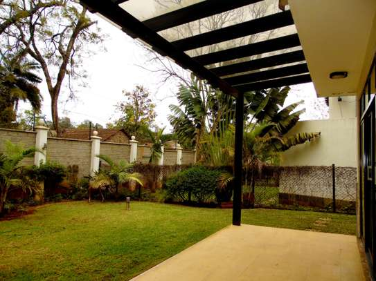 5 bedroom townhouse for rent in Lavington image 16