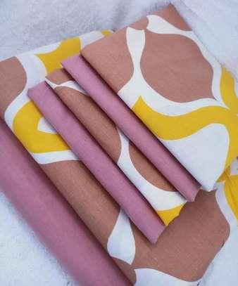bed sheets pink print image 1