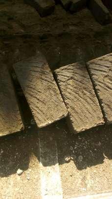 Stones, machine cut ndarugo image 2