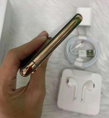 Apple Iphone xs [ Gold 512 Gigabytes ] image 2