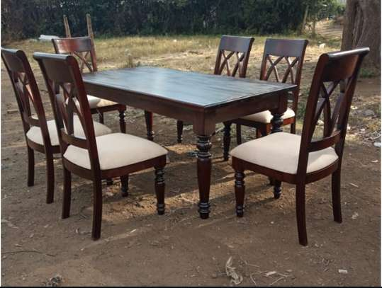 Quality 6 Seaters Dining Set