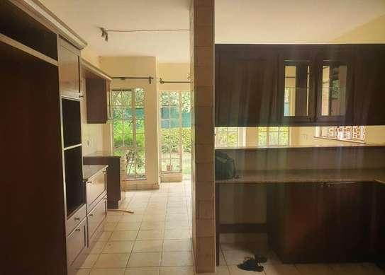 5 bedroom villa for rent in Rosslyn image 11