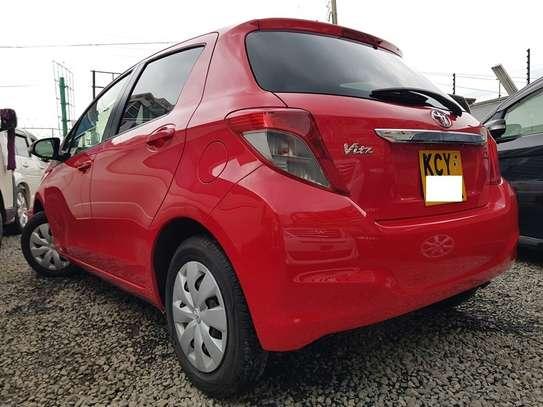 Toyota Vitz 1.0 F image 2