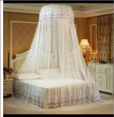 Round mosquito net. image 1