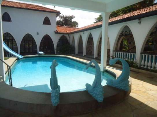 4br beach villa house with 2br guest wing for rent in Nyali. Hr15 - 1229 image 1