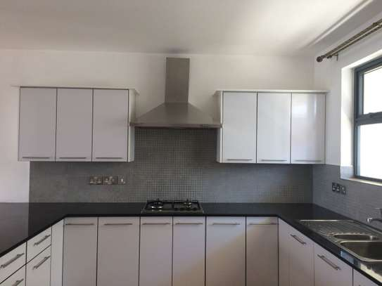 3 bedroom apartment for rent in Thome image 7