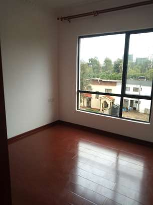 3 bedroom apartment for rent in Kilimani image 8