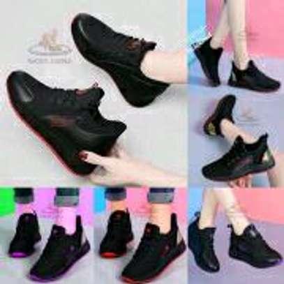 Black sneakers image 1