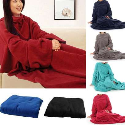 Fleece blanket with sleeves, keep away the cold as you watch netflix image 2