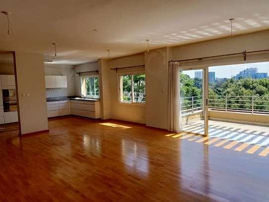 Riverside - Flat & Apartment image 4