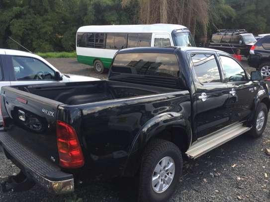 Toyota hilux double cab d4d diesel image 4
