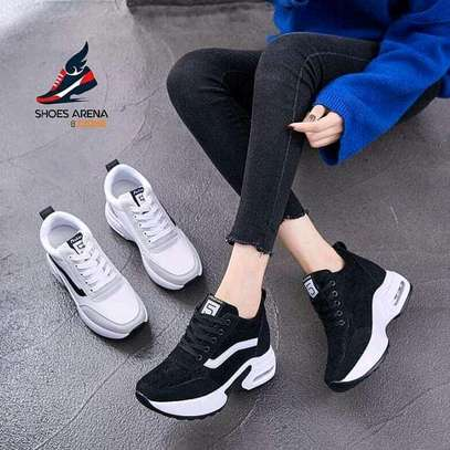 Original ladies sneakers image 1