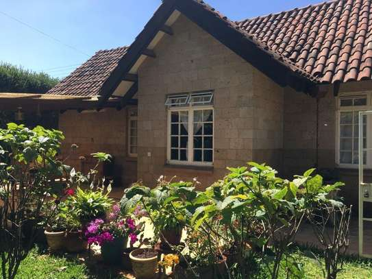 Furnished 4 bedroom house for rent in Runda image 8