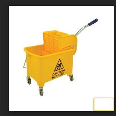 Yellow Bucket Wringer image 1