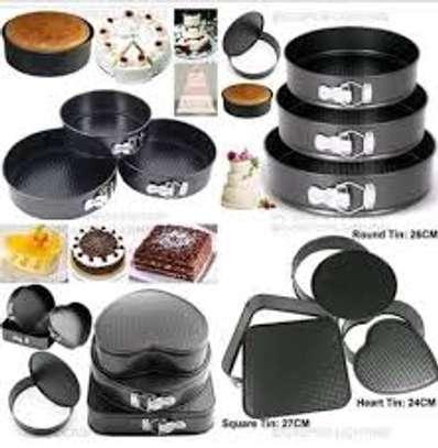 3 pcs baking tins image 1