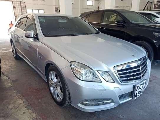 Mercedes-Benz E350 image 1