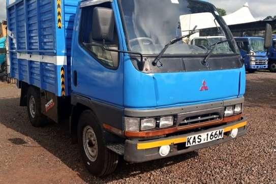 Mitsubishi Canter image 1