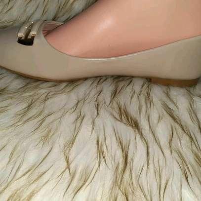 flat shoes image 7